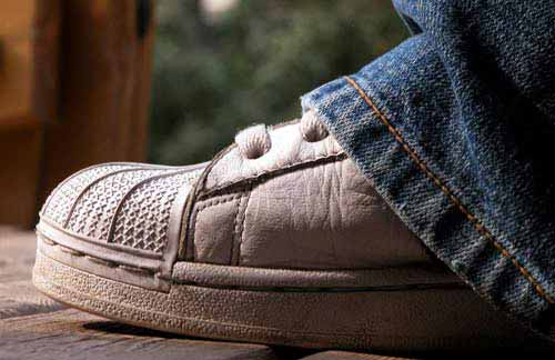 Foot odor remedy for shoes